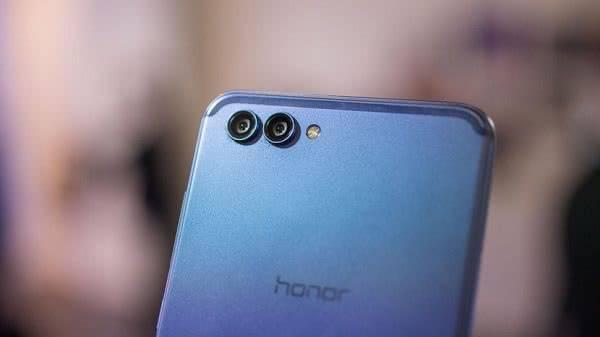 Камера Honor V10