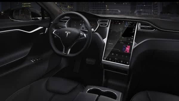Салон в Tesla Model S