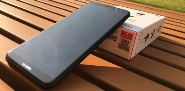Комплектация Huawei Mate 10 Lite