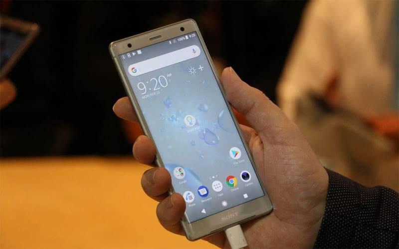 Sony Xperia XZ2 фото