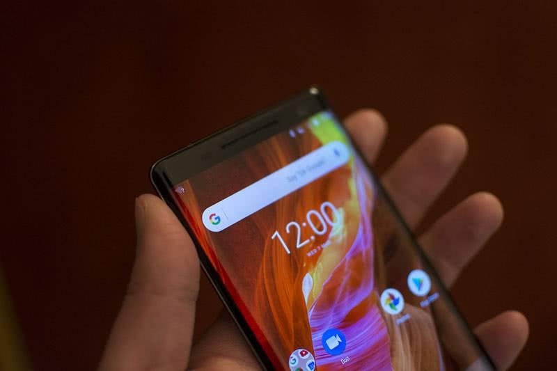 Nokia 8 Sirocco дисплей
