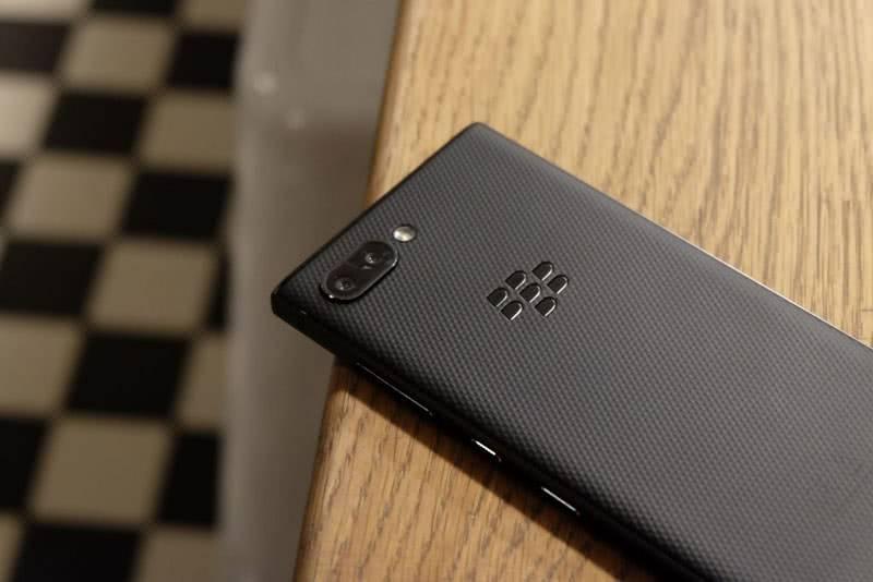 BlackBerry KEY2 задняя крышка