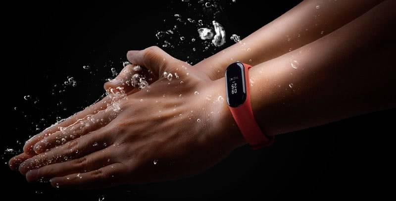 Xiaomi-Mi-Band-3 водонепроницаемые