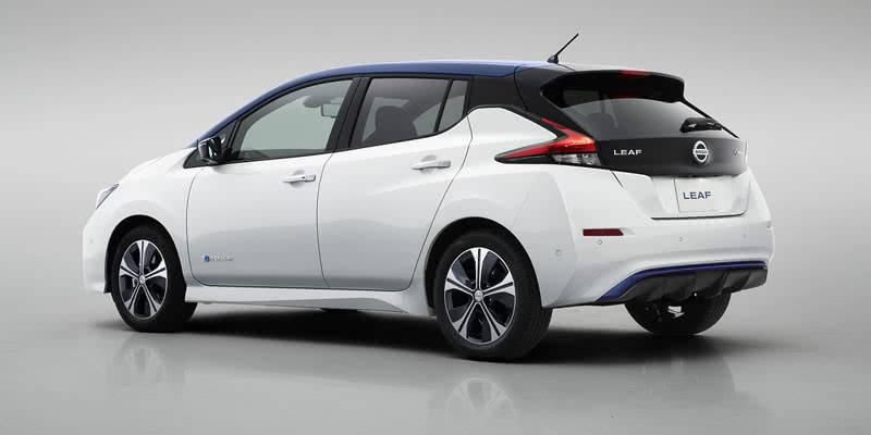 Nissan Leaf второго поколения на фото