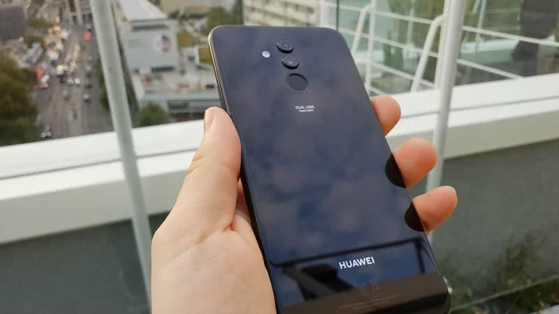 Huawei Mate 20 Lite фото