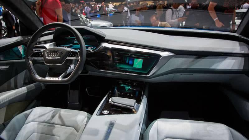 Интерьер Audi e-tron quattro 2018