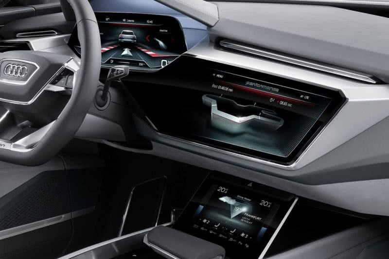 Мультимедиа Audi e-tron quattro 2018