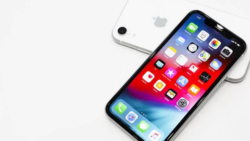 Apple iPhone XR дисплей