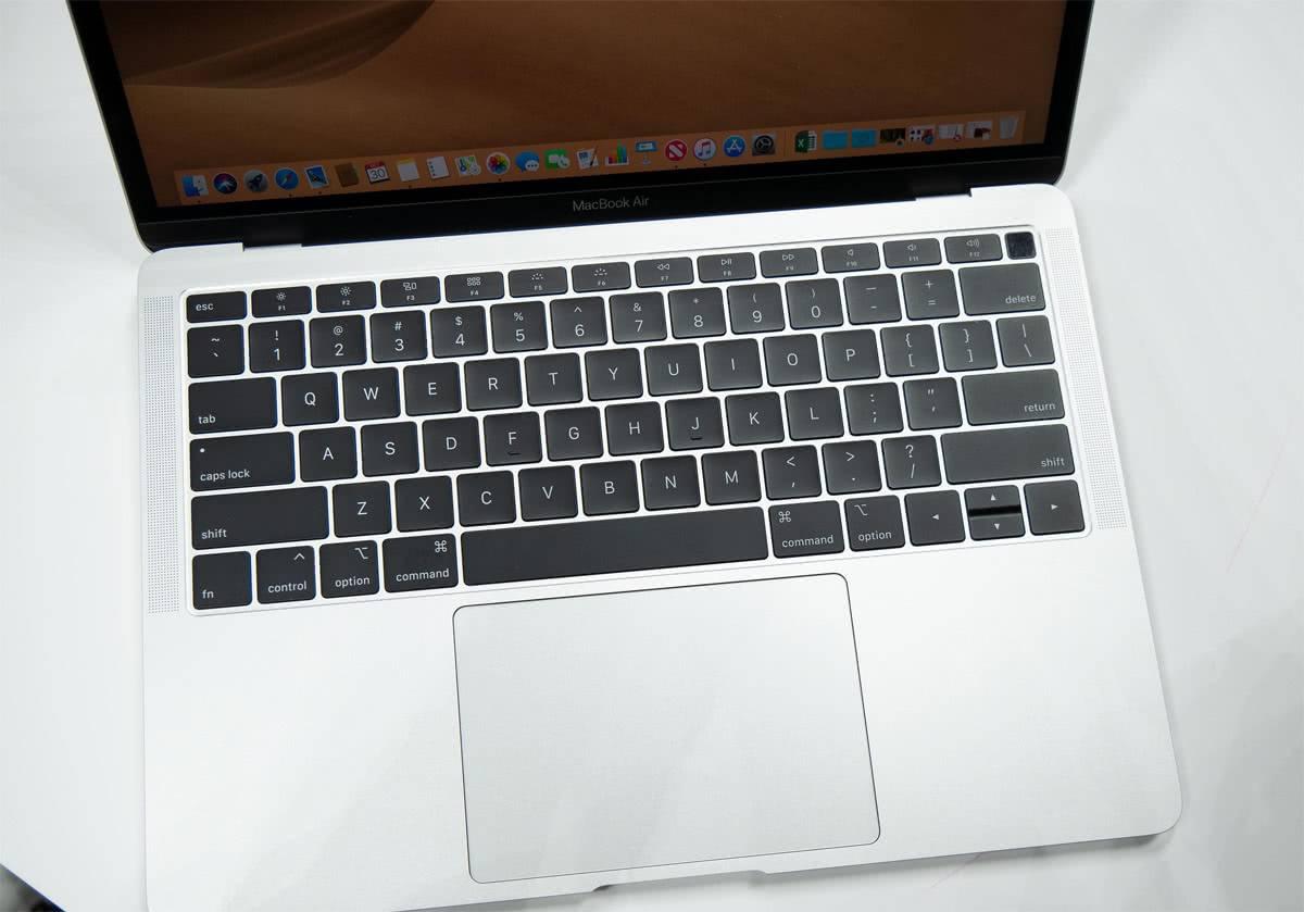 Клавиатура-бабочка MacBook Air 2018