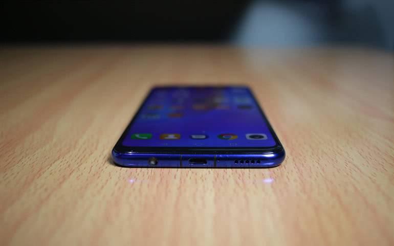 Динамики Huawei Nova 3i
