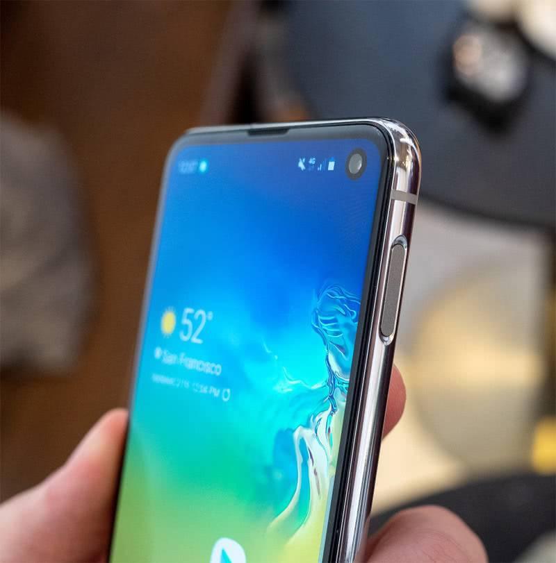 Экран Samsung Galaxy S10