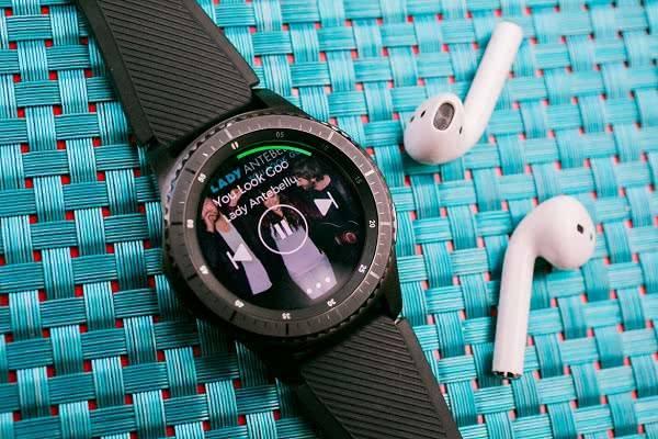 Музыка на Samsung Gear S3