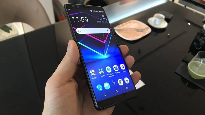 Форма и размер HTC U12+