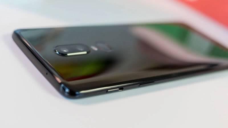 OnePlus 6 задняя крышка