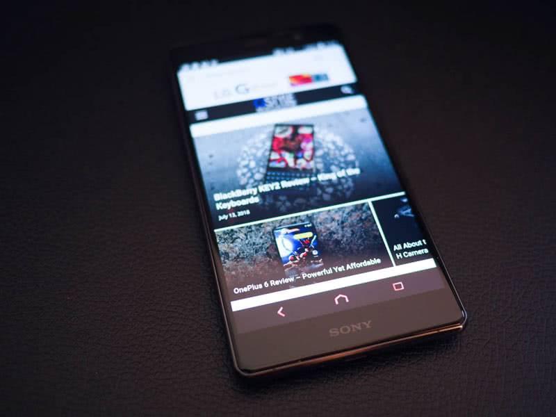 Sony Xperia XZ2 Premium фото