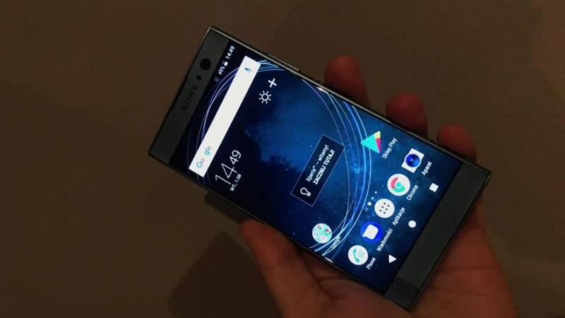 Sony Xperia XA2 экран