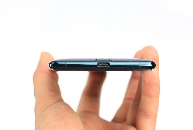 Зарядка Sony Xperia XZ3
