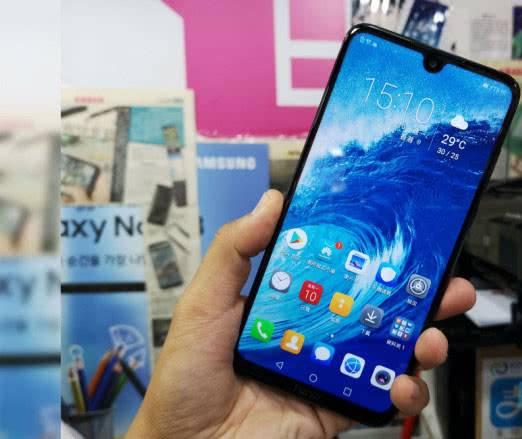 Huawei-Honor-8X-Max экран