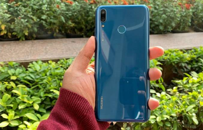 Дизайн Huawei Y9 2019