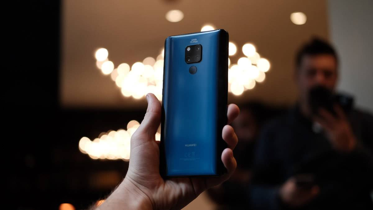 Huawei Mate 20 X сзади