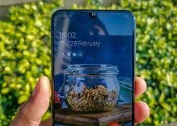 Samsung Galaxy A30 — сильный удар по китайским смартфонам