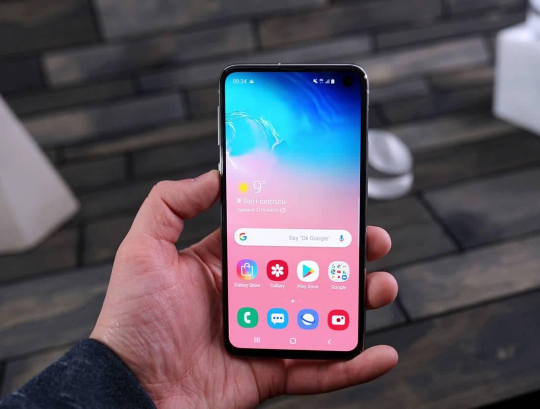 Экран Samsung Galaxy S10e