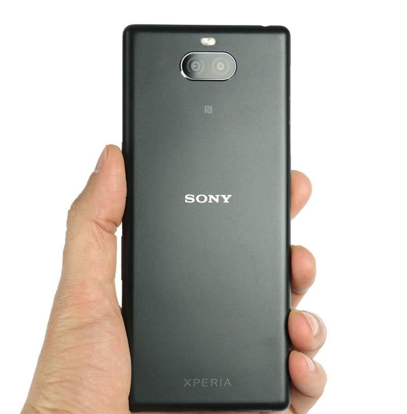 Обратная сторона Sony Xperia 10 Plus