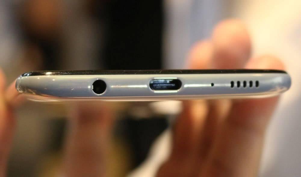 Разъем USB на Galaxy A70