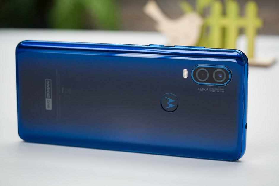 Motorola One Vision длина
