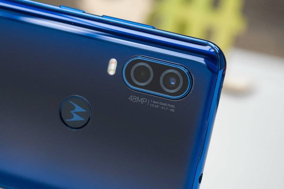 Камеры Motorola One Vision