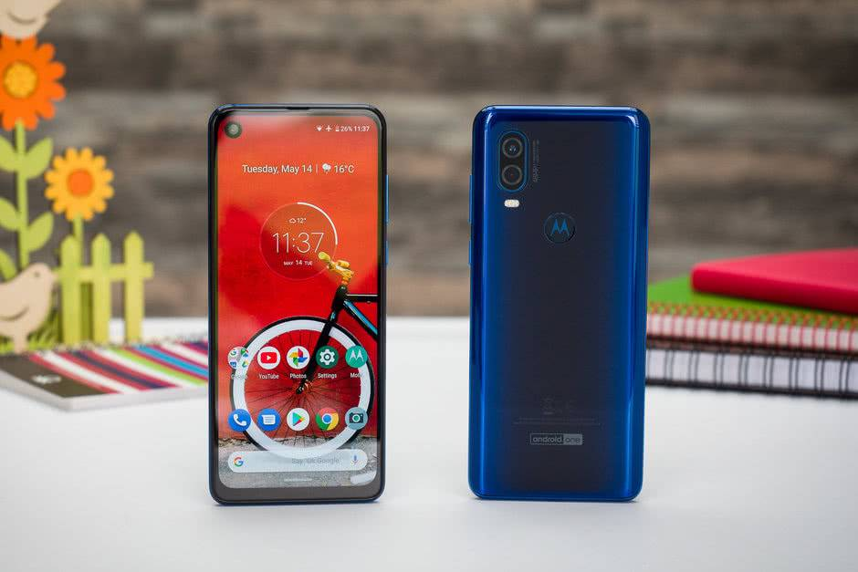 Дизайн Motorola One Vision