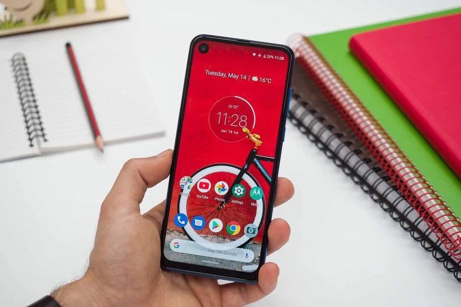 Интерфейс Motorola One Vision